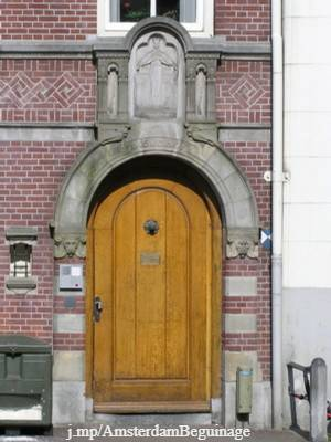 Amsterdam beguinage entrance