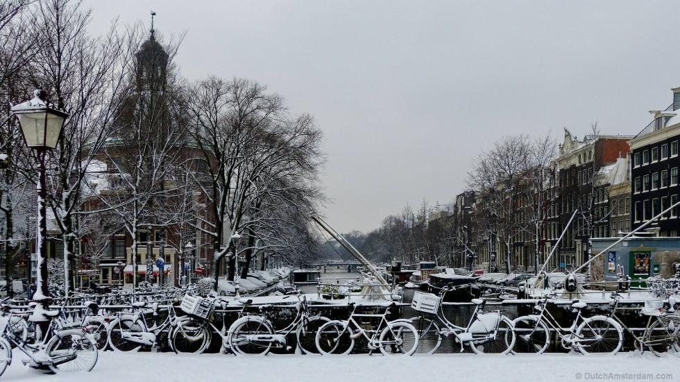 Singel canal in Amsterdam