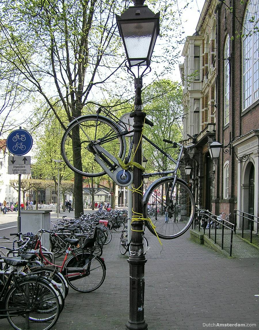 bicycle lamp post