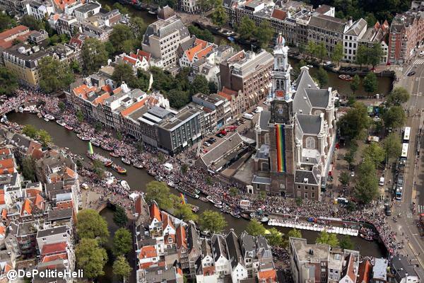 gayprideparadeamsterdam2015