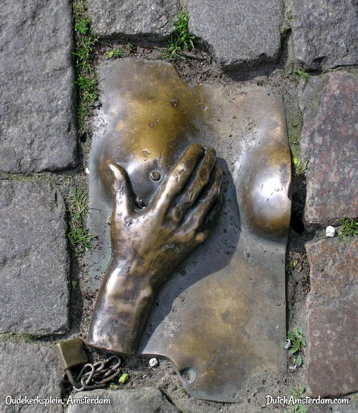 sculpture at Oudekerksplein
