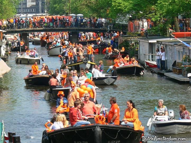 boat parade King's Day