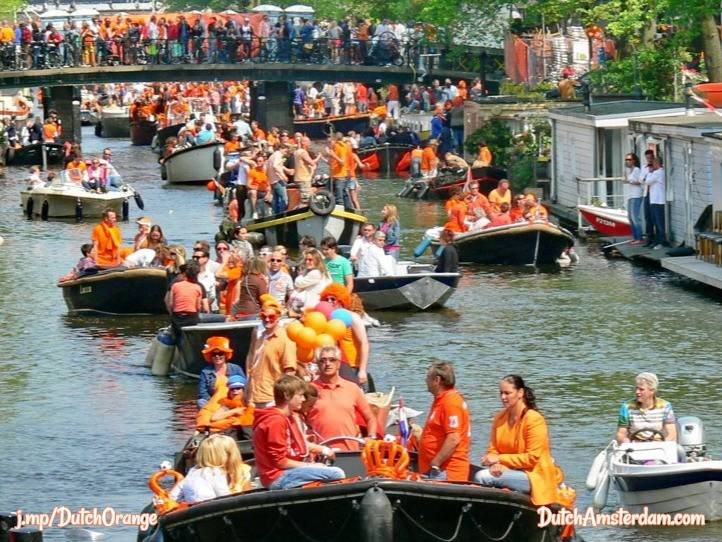 Celebrating King's Day on boats